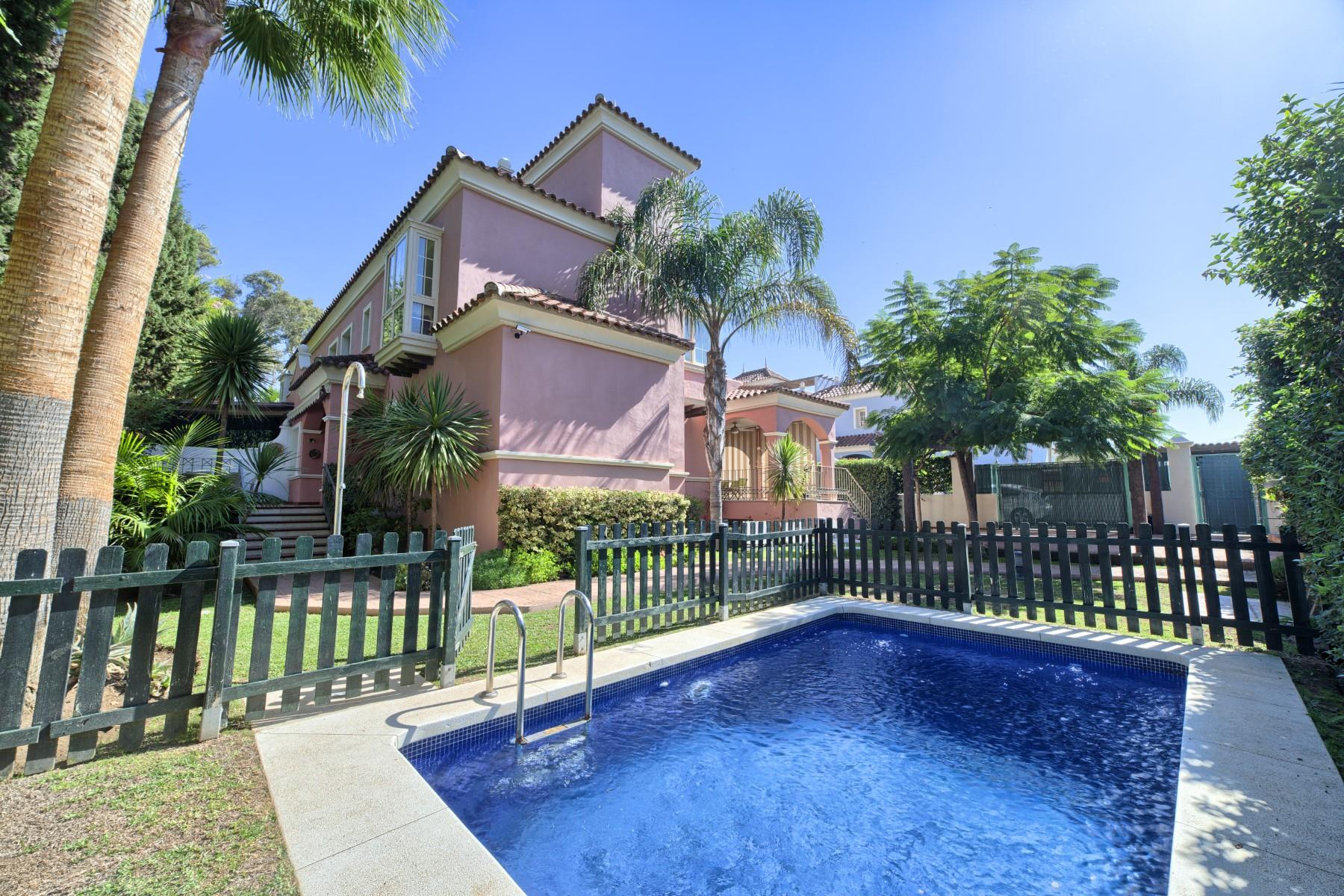 Villa walking distance from Puerto Banus