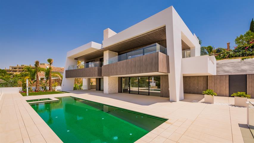 te koop Nueva Andalucia villa