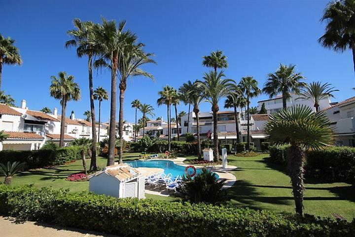 te huur Bahia De Marbella koppelvilla